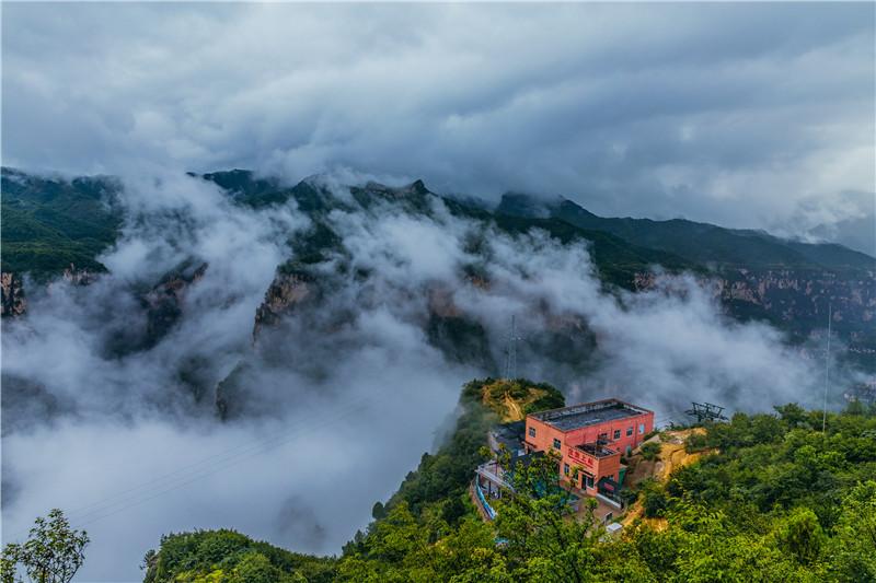 雾锁八泉峡 (6).jpg